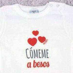 body comeme a besos
