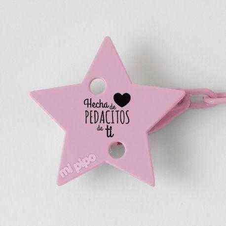 broche hecha de pedacitos de ti rosa